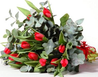 Konya hediye sevgilime hediye çiçek  11 adet kirmizi gül buketi özel günler için