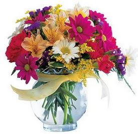 Konya yurtiçi ve yurtdışı çiçek siparişi  cam yada mika içerisinde karisik mevsim çiçekleri