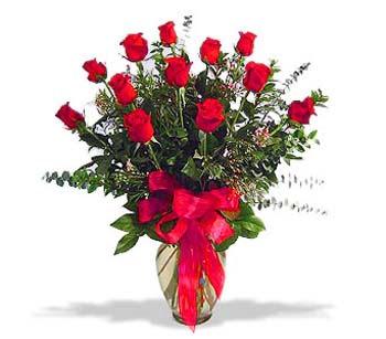 çiçek siparisi 11 adet kirmizi gül cam vazo  Konya çiçek gönderme sitemiz güvenlidir