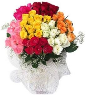 Konya anneler günü çiçek yolla  51 adet farklı renklerde gül buketi