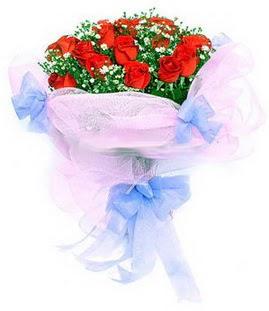 Konya güvenli kaliteli hızlı çiçek  11 adet kırmızı güllerden buket modeli