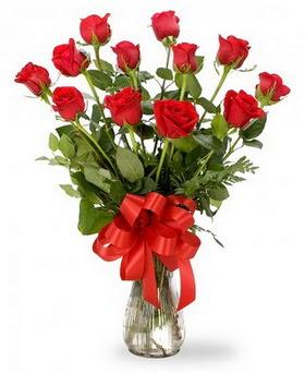 Konya çiçek online çiçek siparişi  12 adet kırmızı güllerden vazo tanzimi