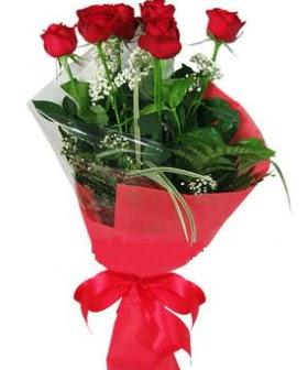 5 adet kırmızı gülden buket  Konya internetten çiçek satışı
