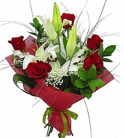 1 dal kazablanka 5 kırmızı gül buketi  Konya internetten çiçek satışı
