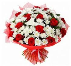 11 adet kırmızı gül ve 1 demet krizantem  Konya çiçek siparişi sitesi