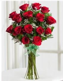Cam vazo içerisinde 11 kırmızı gül vazosu  Konya çiçek , çiçekçi , çiçekçilik