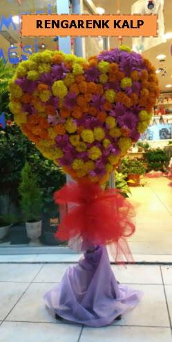 Ankara mevsim çiçeklerinden kalp perförje  Konya anneler günü çiçek yolla