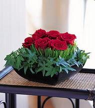 Konya güvenli kaliteli hızlı çiçek  10 adet kare mika yada cam vazoda gül tanzim