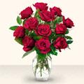 Konya uluslararası çiçek gönderme  10 adet gül cam yada mika vazo da