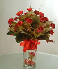 yapay güllerden vazo  9 gül  Konya çiçekçi telefonları