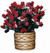 yapay kirmizi güller sepeti   Konya internetten çiçek satışı
