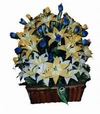 yapay karisik çiçek sepeti   Konya 14 şubat sevgililer günü çiçek