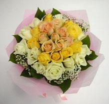 sari ve beyaz gül karisimda   Konya çiçek online çiçek siparişi