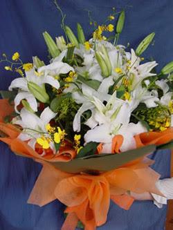 Konya yurtiçi ve yurtdışı çiçek siparişi  5 ADET KAZABLANKA BUKETI KALITEDEN SASMAYANLARA
