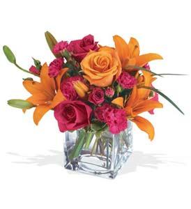 Konya çiçek siparişi sitesi  cam içerisinde kir çiçekleri demeti