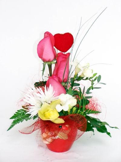 Konya çiçek servisi , çiçekçi adresleri  cam içerisinde 3 adet gül ve kir çiçekleri