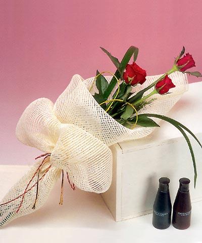3 adet kalite gül sade ve sik halde bir tanzim  Konya çiçek yolla , çiçek gönder , çiçekçi