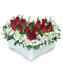 Konya çiçek yolla , çiçek gönder , çiçekçi   mika kalp içerisinde 9 adet kirmizi gül