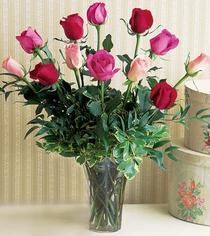 Konya çiçek siparişi sitesi  12 adet karisik renkte gül cam yada mika vazoda