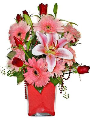 Konya çiçek yolla  karisik cam yada mika vazoda mevsim çiçekleri mevsim demeti