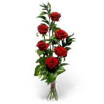 Konya güvenli kaliteli hızlı çiçek  cam yada mika vazo içerisinde 6 adet kirmizi gül