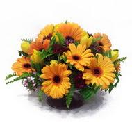 gerbera ve kir çiçek masa aranjmani  Konya İnternetten çiçek siparişi