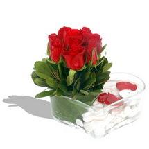 Mika kalp içerisinde 9 adet kirmizi gül  Konya çiçekçi mağazası