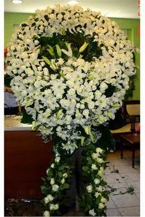 Cenaze çelenk , cenaze çiçekleri , çelengi  Konya hediye sevgilime hediye çiçek