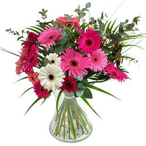 15 adet gerbera ve vazo çiçek tanzimi  Konya çiçek gönderme sitemiz güvenlidir
