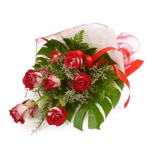çiçek gönder 7 adet kirmizi gül buketi  Konya internetten çiçek satışı