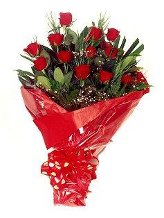 12 adet kirmizi gül buketi  Konya online çiçekçi , çiçek siparişi