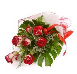Çiçek gönder 9 adet kirmizi gül buketi  Konya İnternetten çiçek siparişi