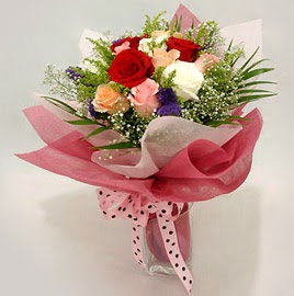 Karisik renklerde 11 adet gül buketi  Konya 14 şubat sevgililer günü çiçek