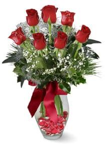 7 adet vazoda gül  Konya yurtiçi ve yurtdışı çiçek siparişi  kirmizi gül