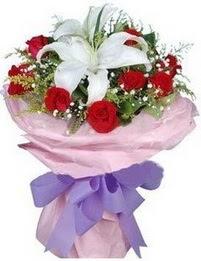 9 adet kirmizi gül 1 adet kazablanka buketi  Konya kaliteli taze ve ucuz çiçekler
