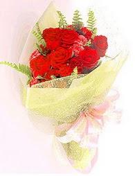 9 adet kirmizi gül buketi  Konya çiçek yolla
