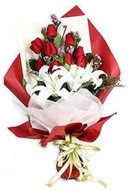 Konya çiçek mağazası , çiçekçi adresleri  9 adet gül 2 adet kazablanka buketi