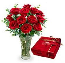 Konya kaliteli taze ve ucuz çiçekler  10 adet cam yada mika vazoda gül çikolata