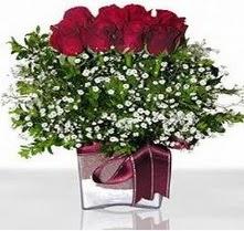 Konya yurtiçi ve yurtdışı çiçek siparişi  mika yada cam vazo içerisinde 7 adet gül