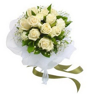 Konya çiçek siparişi vermek  11 adet benbeyaz güllerden buket