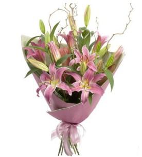 Konya cicek , cicekci  3 dal cazablanca buket çiçeği