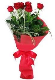 Çiçek yolla sitesinden 7 adet kırmızı gül  Konya yurtiçi ve yurtdışı çiçek siparişi