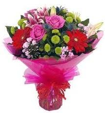 Karışık mevsim çiçekleri demeti  Konya çiçek gönderme sitemiz güvenlidir