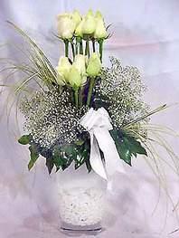 Konya çiçek gönderme sitemiz güvenlidir  9 adet vazoda beyaz gül - sevdiklerinize çiçek seçimi