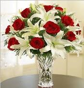 12 adet kırmızı gül 2 dal kazablanka vazosu  Konya hediye sevgilime hediye çiçek