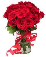 21 adet vazo içerisinde kırmızı gül  Konya hediye sevgilime hediye çiçek