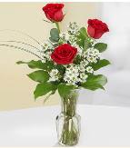 Vazo içerisinde 3 adet kırmızı gül  Konya hediye sevgilime hediye çiçek