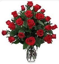 Konya güvenli kaliteli hızlı çiçek  24 adet kırmızı gülden vazo tanzimi