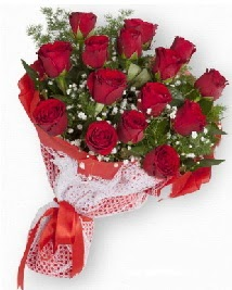11 kırmızı gülden buket  Konya çiçekçiler