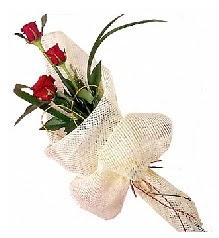 3 adet kırmızı gül buketi  Konya çiçekçiler